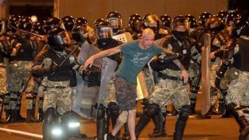 Minlərlə insan  həbs olundu – Belarus etirazlarının nəticələri açıqlandı