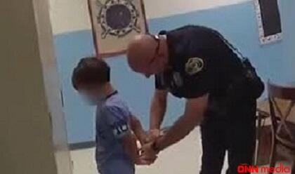 ABŞ polisi 8 yaşlı uşağı bu cür qandalladı – VİDEO