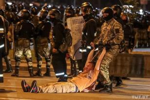 Minskdə GƏRGİNLİK DAVAM EDİR: Komendant saatı elan edildi?