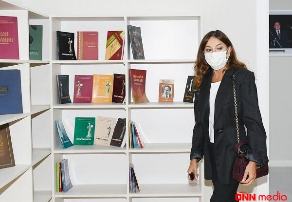 Mehriban Əliyeva yeni məktəb binasının açılışında