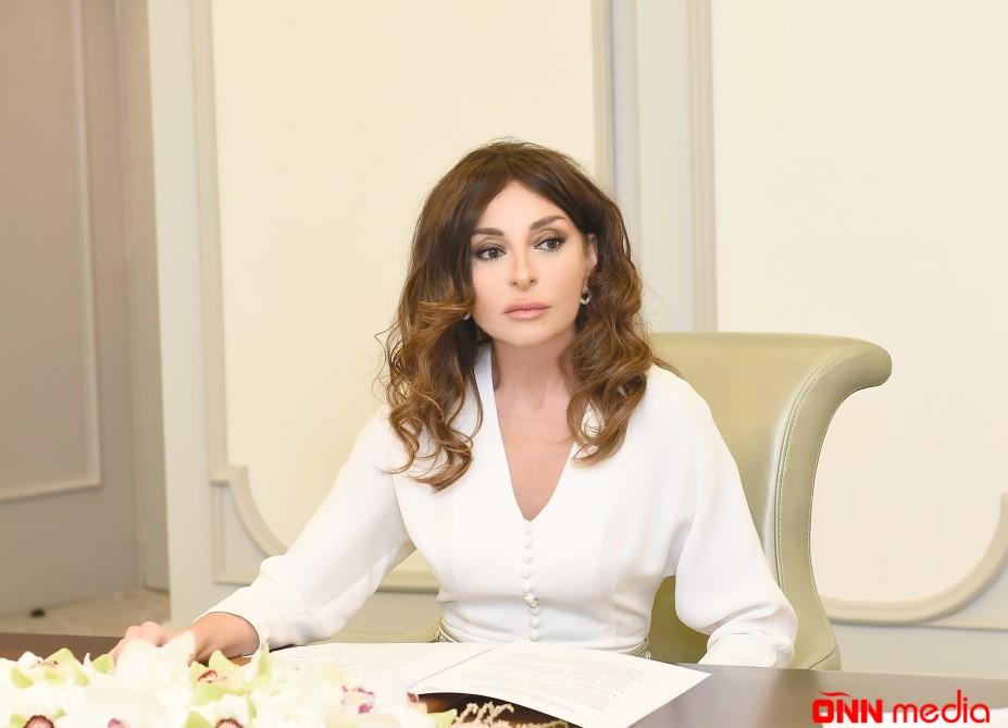 Mehriban Əliyevadan Bilik günü TƏBRİKİ