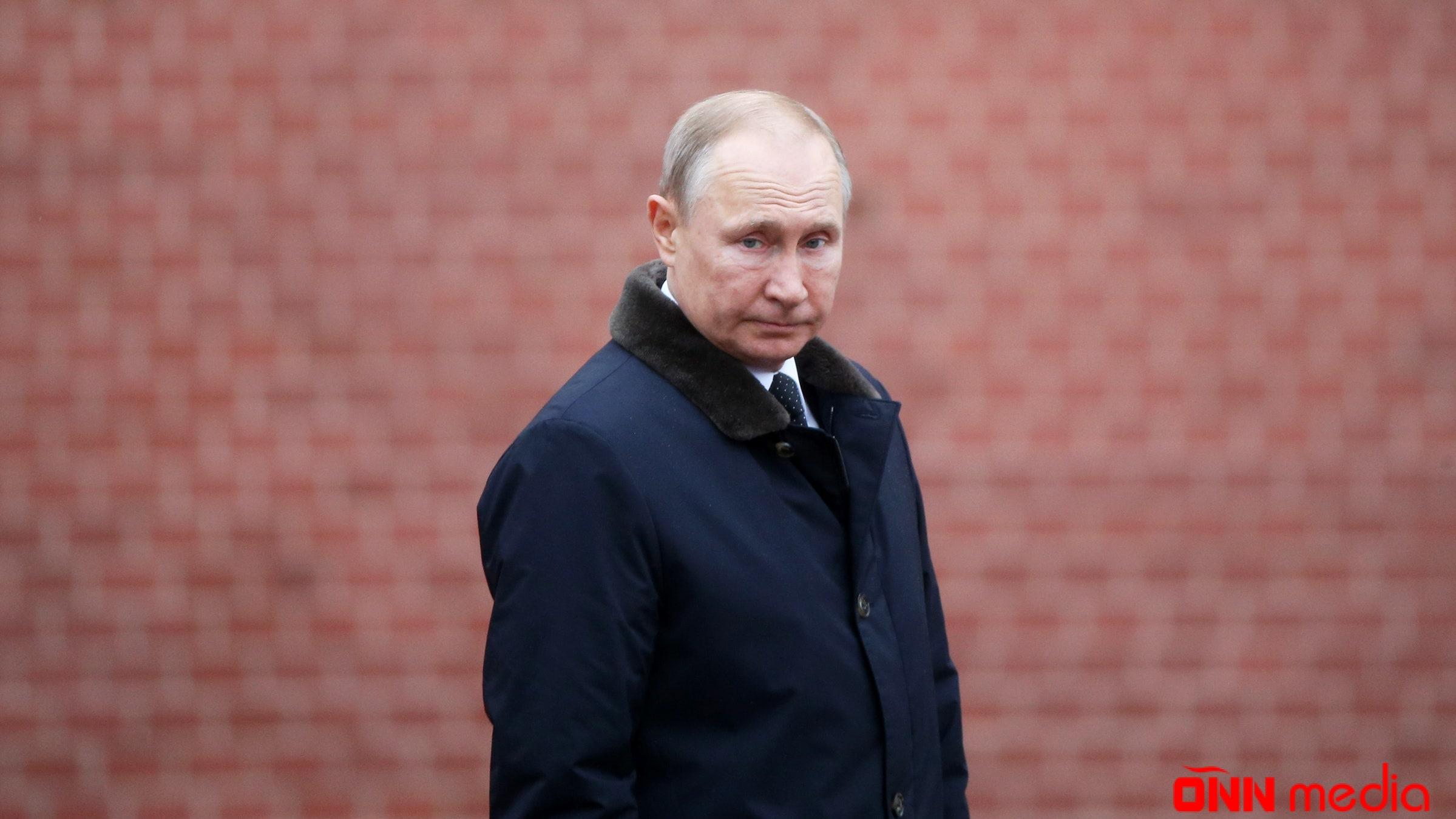 Putin Tacikistana səfərini təxirə saldı
