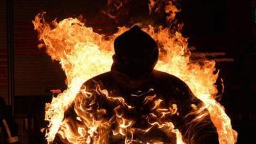 Azərbaycanda DƏHŞƏT: 44 yaşlı kişi yanaraq öldü