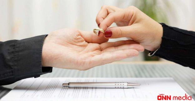 Azərbaycanlı müğənni boşandı