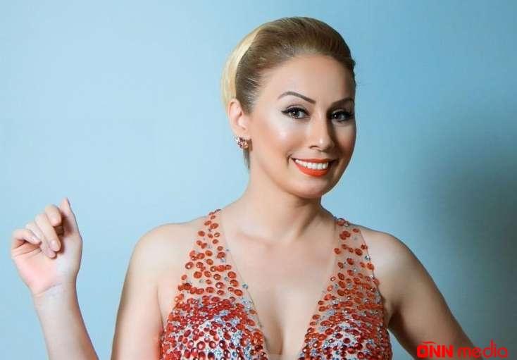 Roza Zərgərli qızı Bənövşə ilə – FOTO