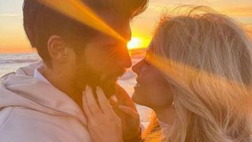 Məşhur aktyordan aparıcıya evlilik təklifi – VİDEO