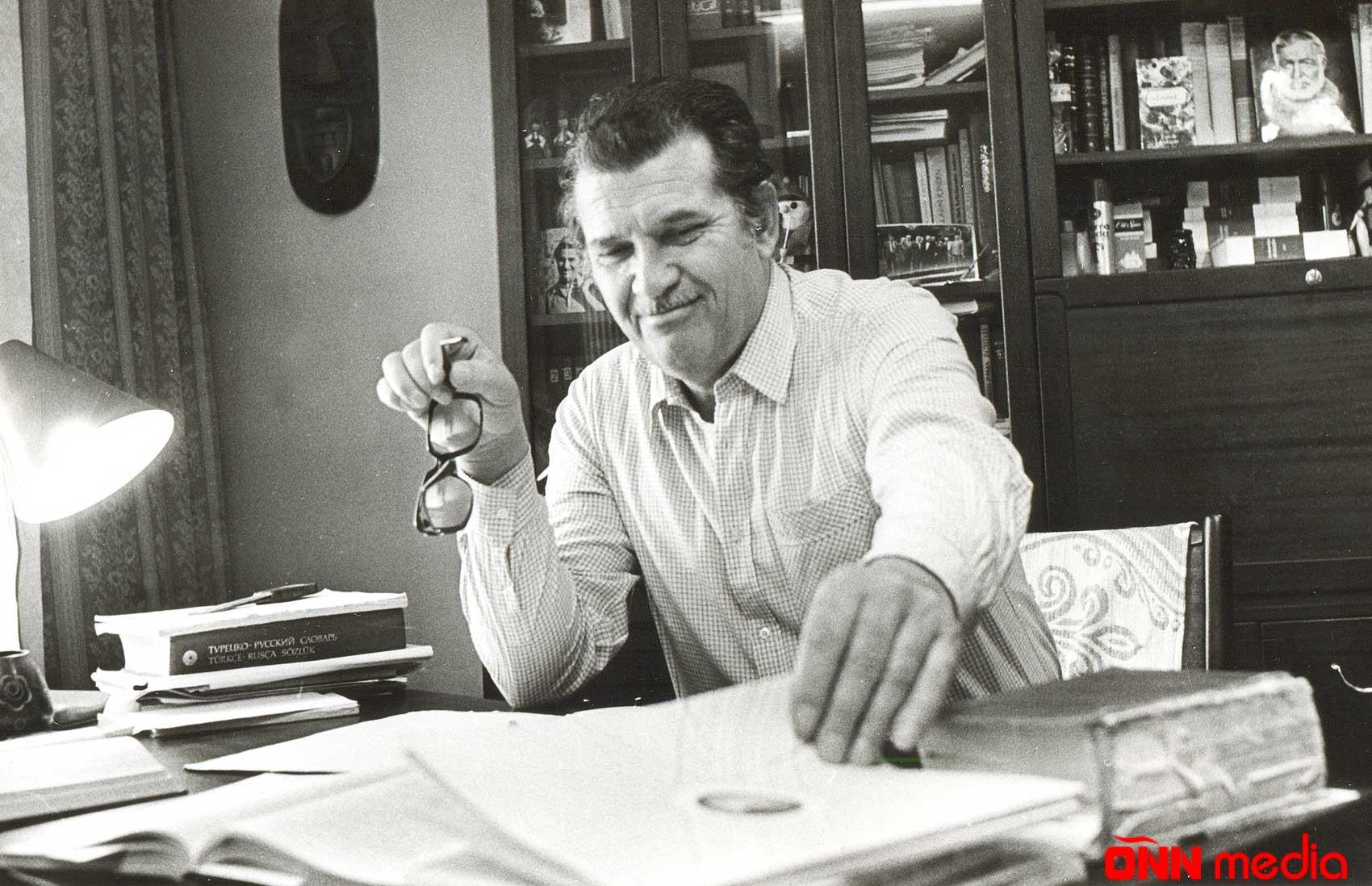 21 fevral Ziya Bünyadovun vəfat etdiyi gündür