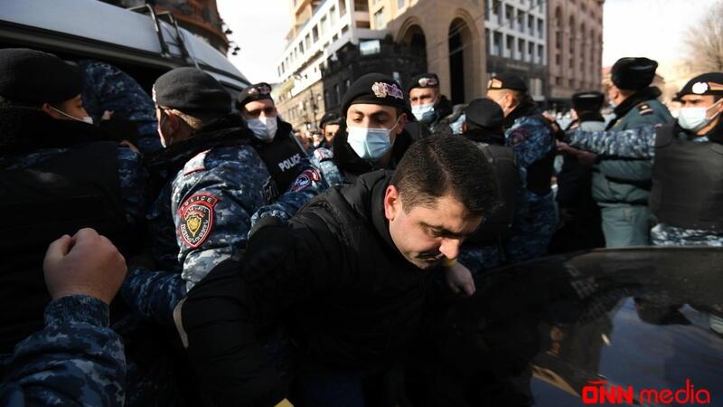"""""""Paşinyan türkdür"""": Ermənistan AYAĞA QALXDI – VİDEO"""