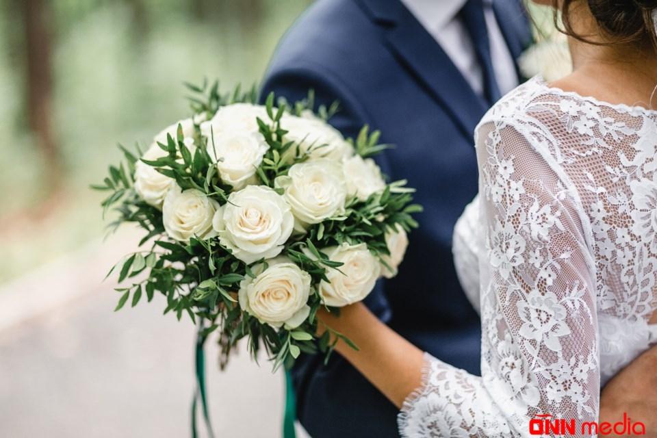 Azərbaycanlı kriminal avtoritet müğənni ilə evləndi