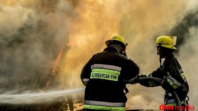 Cəlilabadda ev yandı