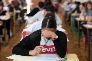 Azərbaycanda daha iki universitetdə KÜTLƏVİ YOLUXMA: 14 qrup bağlandı