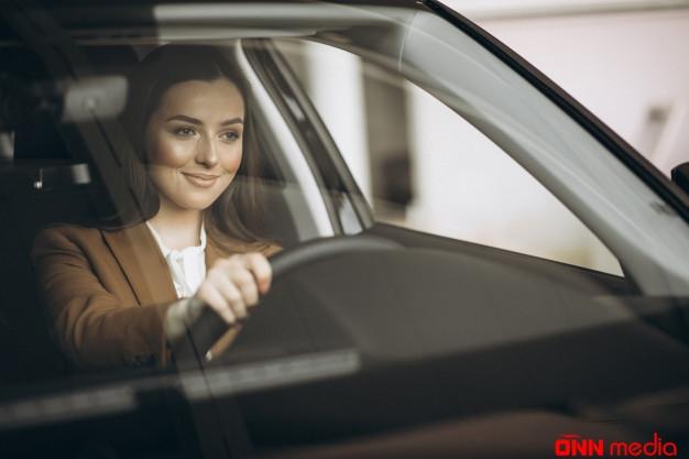 Sürücülük vəsiqəsi alan qadınların sayı nə qədər artıb?