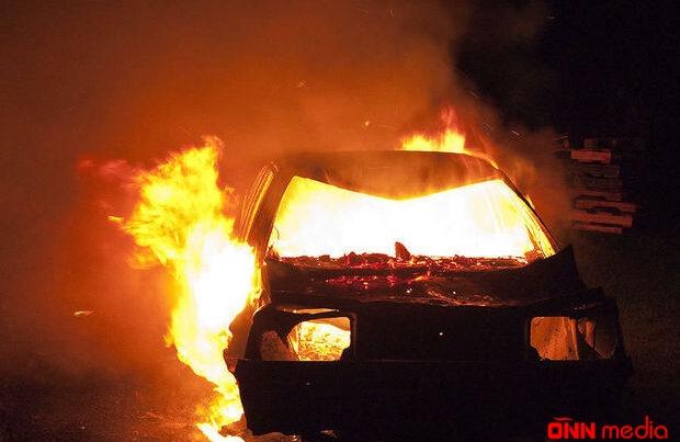 Bakıda minik avtomobili yanaraq KÜL OLDU