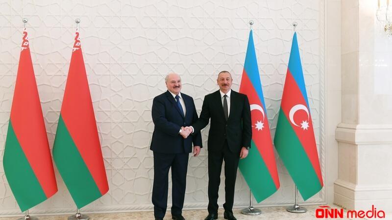 Azərbaycan və Belarus prezidentlərinin təkbətək görüşü başladı
