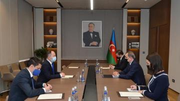Ceyhun Bayramov Rumıniya səfiri ilə görüşdü