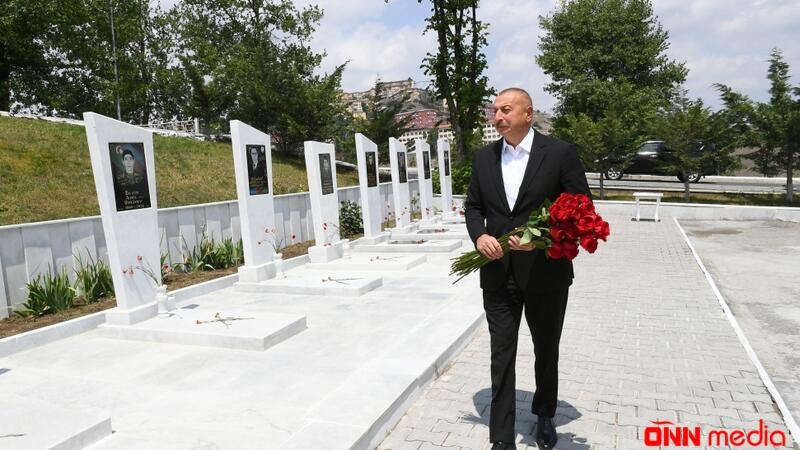 Prezident Şəhidlər xiyabanını ziyarət etdi